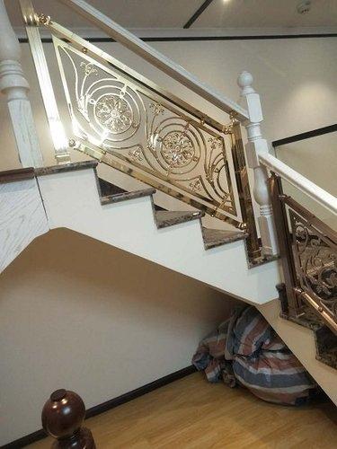 贵州钢木楼梯安装