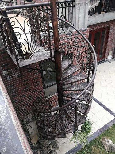鐵藝樓梯扶手怎么安裝