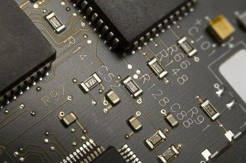 SMT贴片加工工艺:贴片加工中元器件移位的原因是什么?